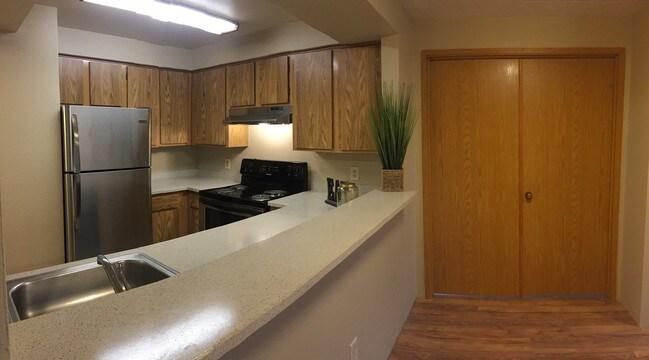 Rosecrest Apartments Apartments - Kirkland, WA ... on Rentals In Kirkland Wa id=77531