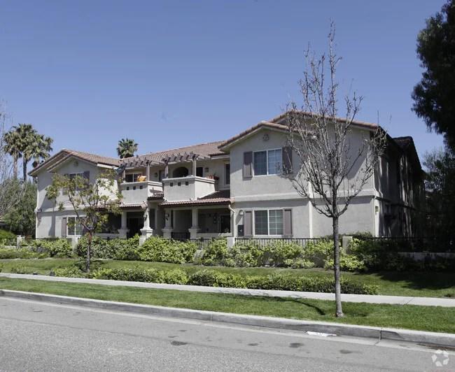 Hillview Apartments Simi
