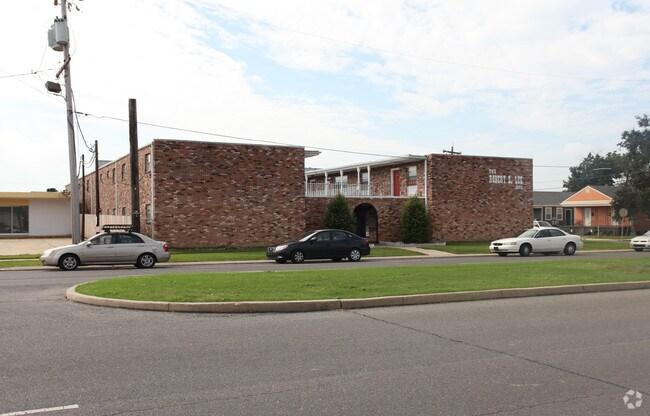 Robert E Lee Apartments New Orleans La