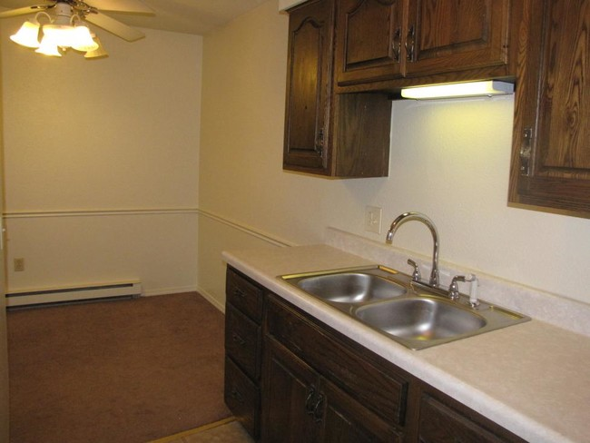 Kitchen Dining Jandal Apartments