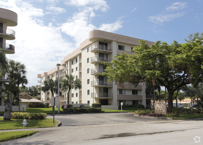 Building Photo Royal Palm Towers Luxury Al Apartments