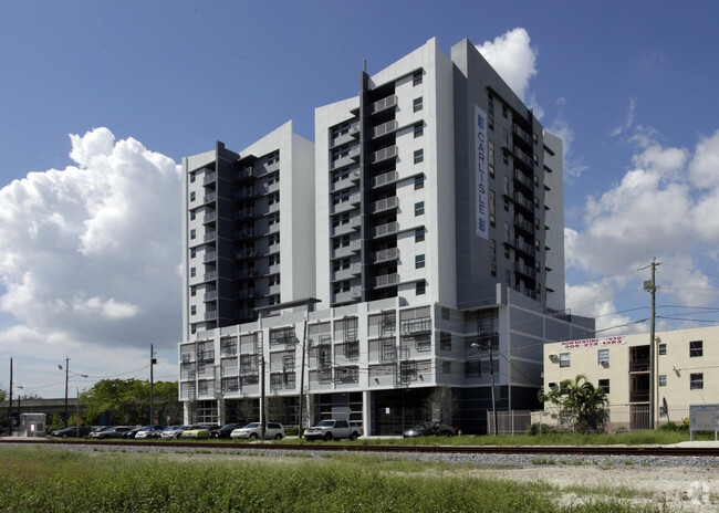 Building Photo Beacon Apartments