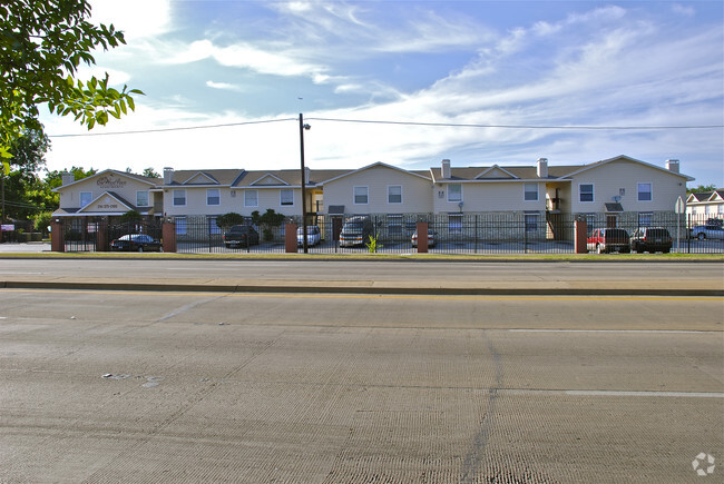 Oakwood Place Apartments Dallas Tx