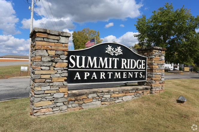 Summit Ridge Apartments