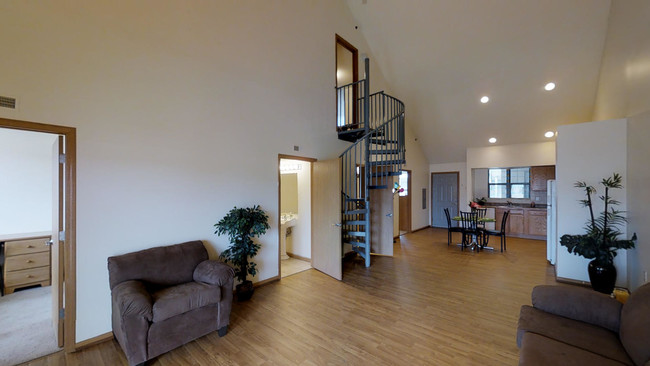 3br 2 5ba The Castle At 1806 Cottage Grove