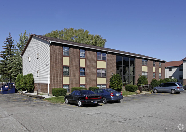 Northview Heights Apartments Als Erie Pa Com. Carpet Town Erie Pa Hours   Carpet Nrtradiant