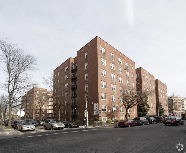 King Apartments Elmhurst Ny