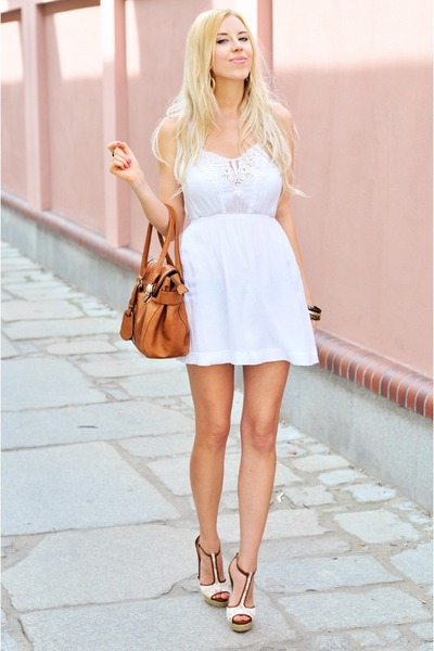White-stradivarius-dress-white-stradivarius-heels_400