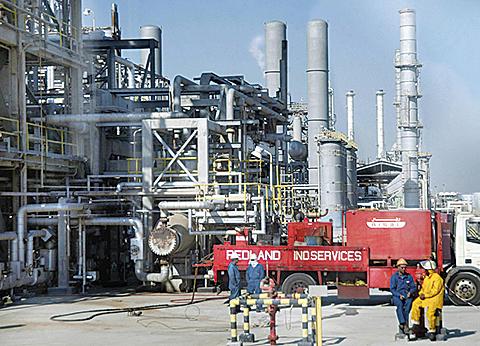 美原油存量創35年高點 油價下跌|大紀元時報 香港|獨立敢言的良心媒體