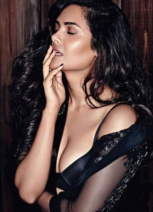 esha gupta hot and bold look - newsdezire