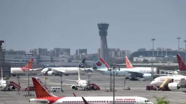 गुजरात से पहले मुंबई में तौकते ने मचाई हलचल, एयरपोर्ट समेत ये चीजें बंद
