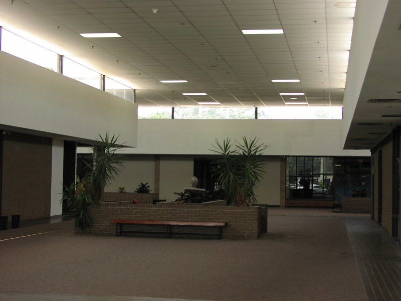 1000 W Main St  Dothan  AL  36301   Storefront Retail Office     Interior view of Porter Square