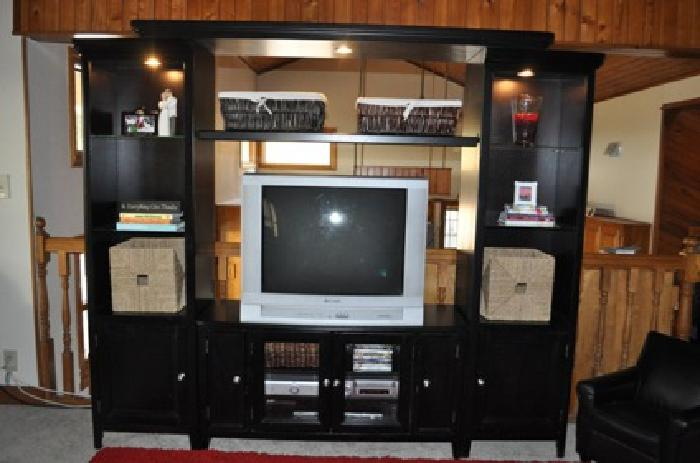 650 5 Piece Carlyle Entertainment Center Black From