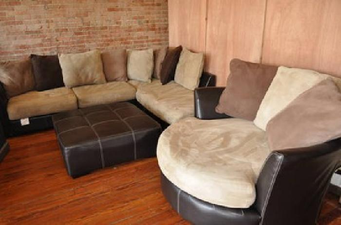 800 Rooms To Go Sectional Swivel Chair Ottoman 4pc For Sale In Krum Texas Classified