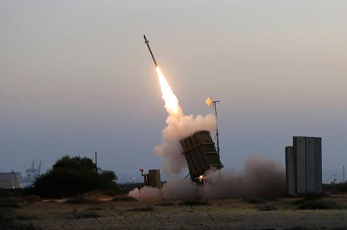 Iron Dome intercepts a missile aimed at Ashkelon