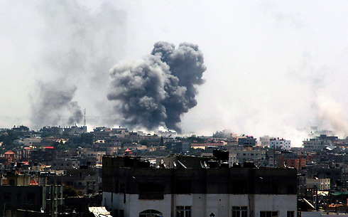 August 1: Smoke over Rafah after the IDF's bombardment (Photo: EPA)