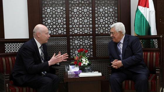 Trump's Middle East envoy Jason Greenblatt meets with Palestinian President Abbas (Photo: Reuters) (Photo: Reuters)