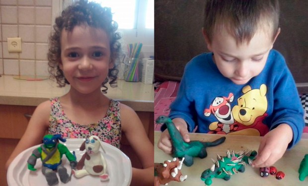 Дети Гили со своими работами
