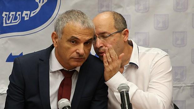 Министр финансов Моше Кахлон и председатель Гистадрута Ави Нисанкорен. Фото: Алекс Коломойский