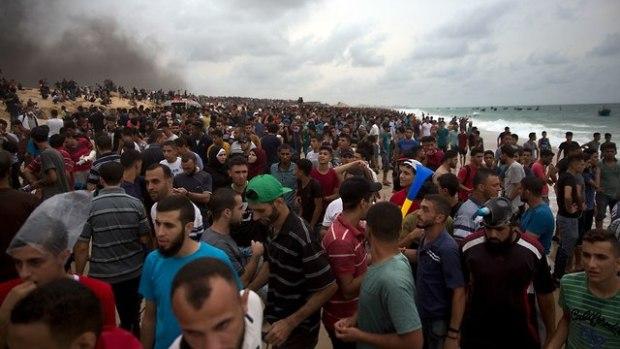 Демонстрация палестинцев на границе сектора Газы. Фото: AP
