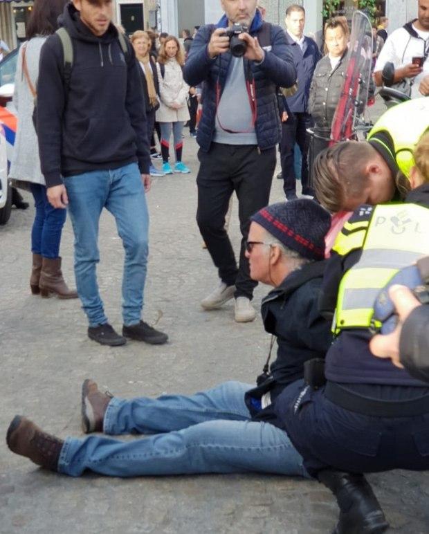 Задержание Михаэля на демонстрации