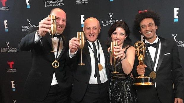 Создатели сериала на церемонии награждения
