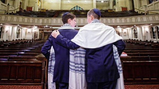 Братья Баррет в синагоге на Манхэттене. Фото предоставлено семьей Баррет