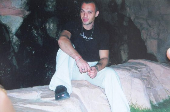 The murdered, Gadi Wichman.  Asked the gang to keep quiet for his little daughter