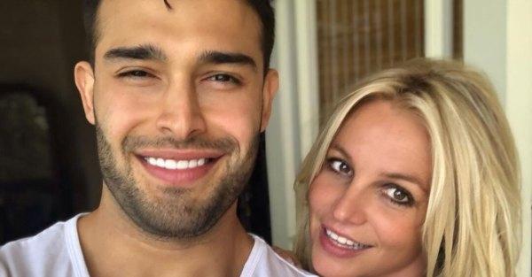 38-летняя Бритни Спирс опубликовала праздничное фото с 25 ...