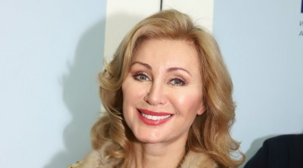 56-летняя Вика Цыганова позирует в смелом бикини | Журнал ...
