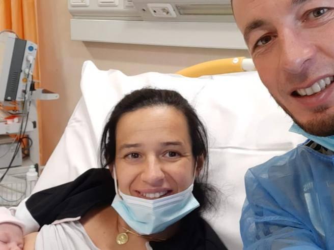 Nembro, Chiara nasce in auto, nel parcheggio: con due ostetriche in soccorso