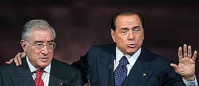 Marcello Dell'Utri e Silvio Berlusconi in un'immagine di archivio<br />