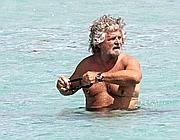Beppe Grillo in Sardegna (LaPresse)