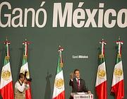 Enrique Peña Nieto festeggia i risultati delle elezioni messicane