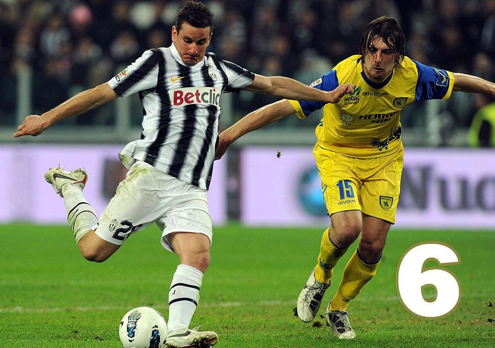 SIMONE PADOIN - Ha segnato un gol a Firenze, questa è forse l?unica traccia vera del suo mezzo campionato a Torino. È arrivato che la squadra era già fatta. Non c?erano più spazi. Né lui ne ha aperti