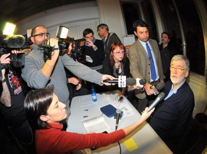 Sergio Cofferati nella sede del Pd dopo il voto  (Ansa/Zeggio)