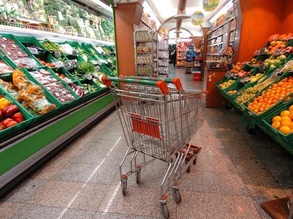 Una Notte Nei Supermercati Italiani Aperti 24 Ore Su 24