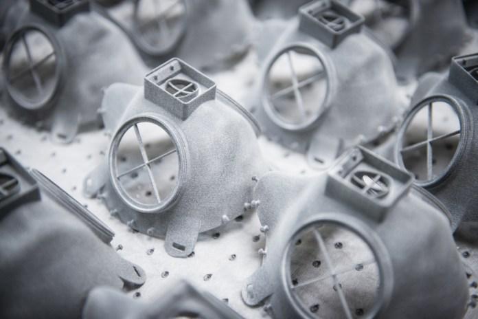 स्कोडा: 3 डी मास्क का उत्पादन शुरू होता है