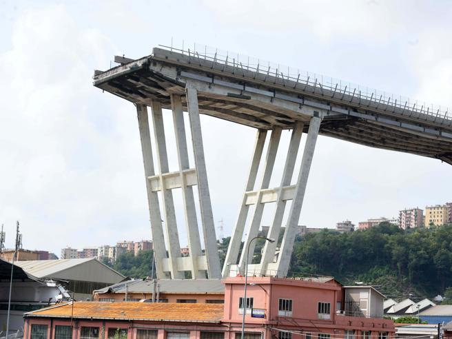 Ponte Morandi a Genova, la Consulta: «Non  illegittimo escludere Autostrade dalla ricostruzione»