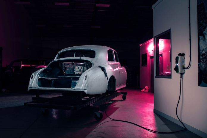 The Silver Cloud during its transformation into an electric car