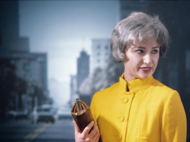 Cindy Sherman, 45 anni di «selfie»: la fotografia come strategia di genere
