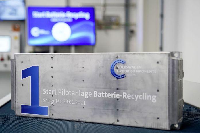 वोक्सवैगन: वास्तविक जीवन के लिए बैटरी रीसायकल