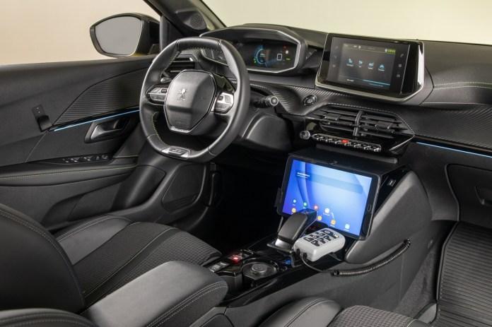 वित्त Peugeot e-208 को लागू करता है