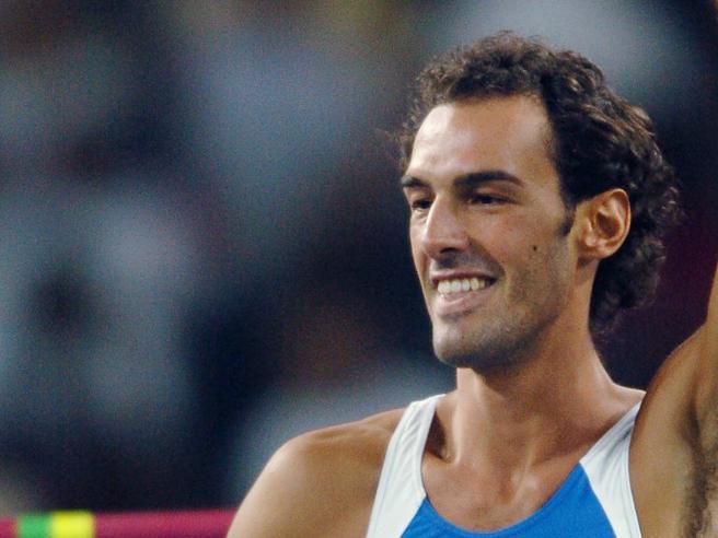 Alessandro Talotti, morto a 40 anni l'ex saltatore in alto azzurro: lottava da tempo contro un tumore