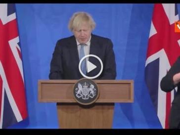 Il Regno Unito esce dal lockdown, Boris Johnson: «Da lunedì 12 anche io andrò al pub»