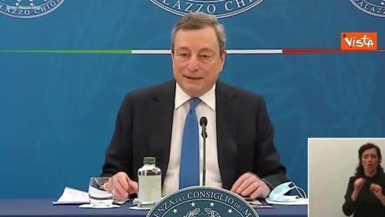 Draghi: «Le critiche a Speranza sono infondate, lo stimo e l'ho voluto io nel governo»