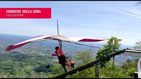 Treviso, incidente deltaplano: il video della tragedia