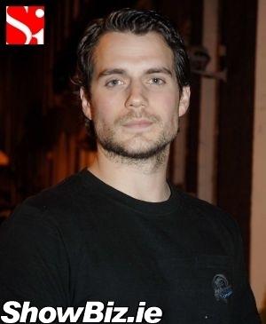 https://i1.wp.com/images2.fanpop.com/images/photos/3000000/henry-cavill-henry-cavill-3092147-300-365.jpg