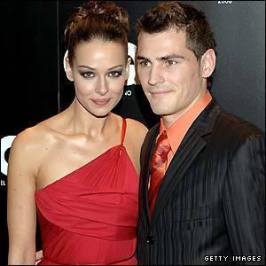 https://i1.wp.com/images2.fanpop.com/images/photos/3400000/Iker-Casillas-s-girlfriend-Eva-Gonzalez-wags-3429531-300-300.jpg