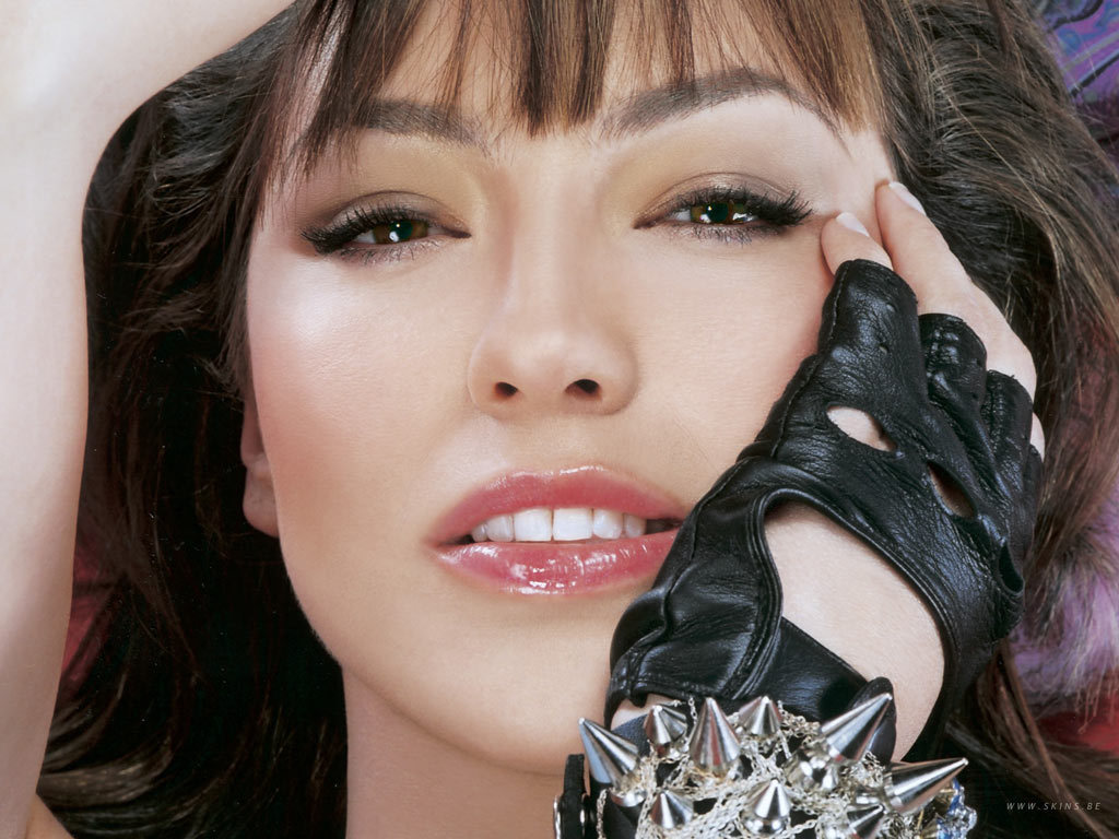 https://i1.wp.com/images2.fanpop.com/images/photos/6700000/Thalia-thalia-6706351-1024-768.jpg